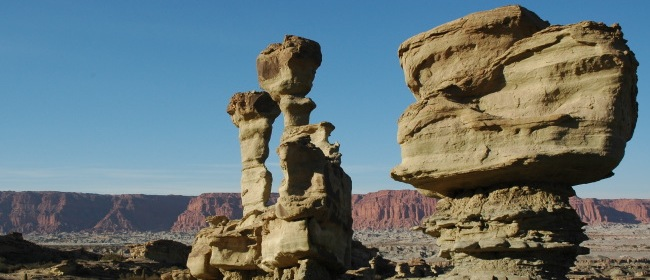 Ischigualasto - Argentina Balancing Rocks - Precarious Perched Places Guide