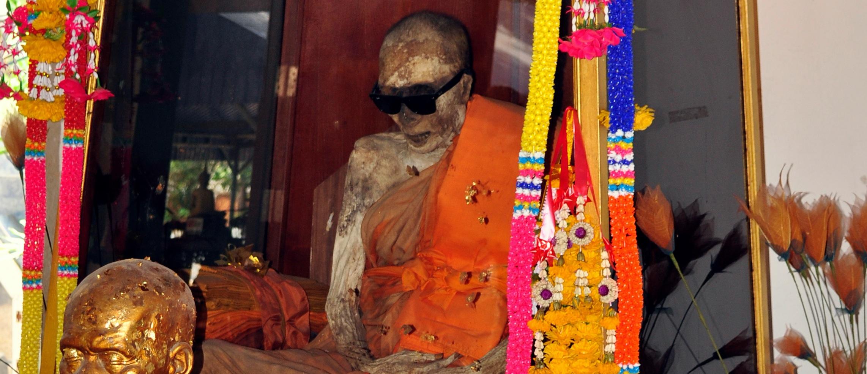 Luang Pho Dang - Luang Phor Daeng - Ko Samui Thailand - Modern Mummies