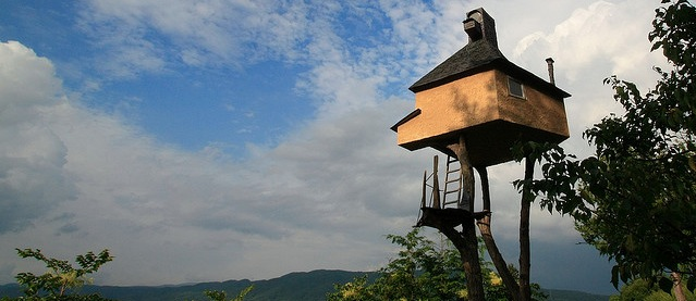 Takasugi-an Tea House - Balancing Objects Japan - Precariously Perched