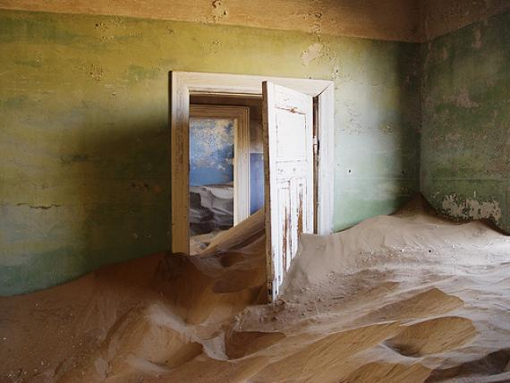 Kolmanskop Namibia - Atlas Obscura - Blog Featured Photography