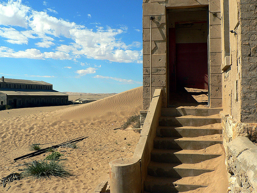 Abandoned Kolmanskop - Featured Photography on Blog Atlas Obscura